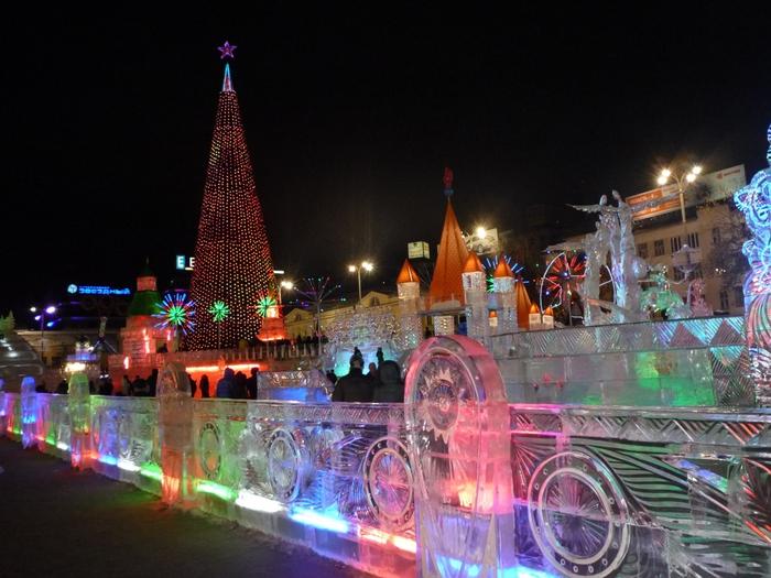 Новый год на площади екатеринбурга
